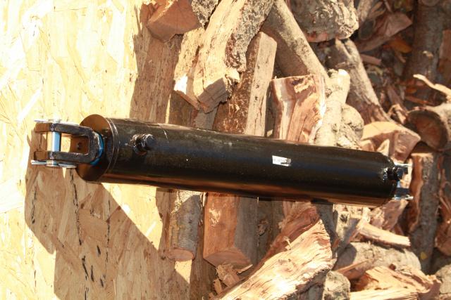 4 x 24 x 2 clevis weld hydraulic ez4024cw